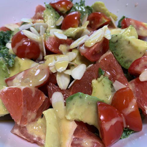 ケールとフルーツのサラダ